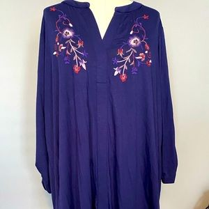 Woman's NWT embroidered top